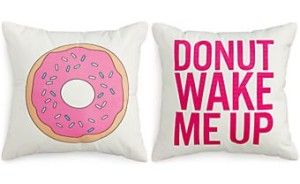 Dormify donut pillow